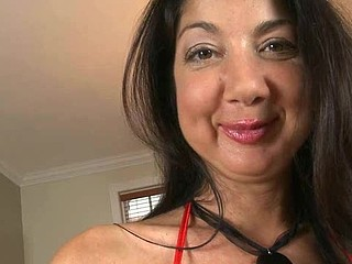 Alluring maw i'd like to fuck sweetheart is savouring a lengthy male rod